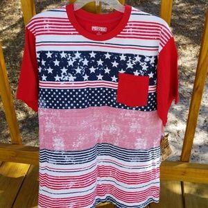 Other - 👕🇺🇸 Men's  Red, White & Blue T Shirt with Pocke